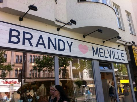 "Brandy Melville: ""One Size Fits Most"""